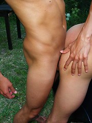 Impatient boys squirt jizz after outdoor shafting